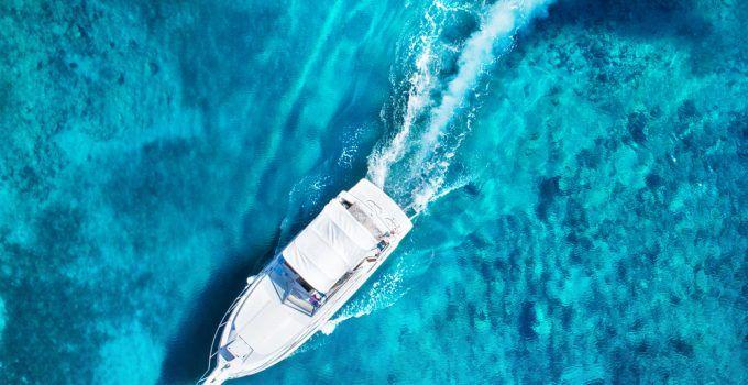 sonhar com barco no mar
