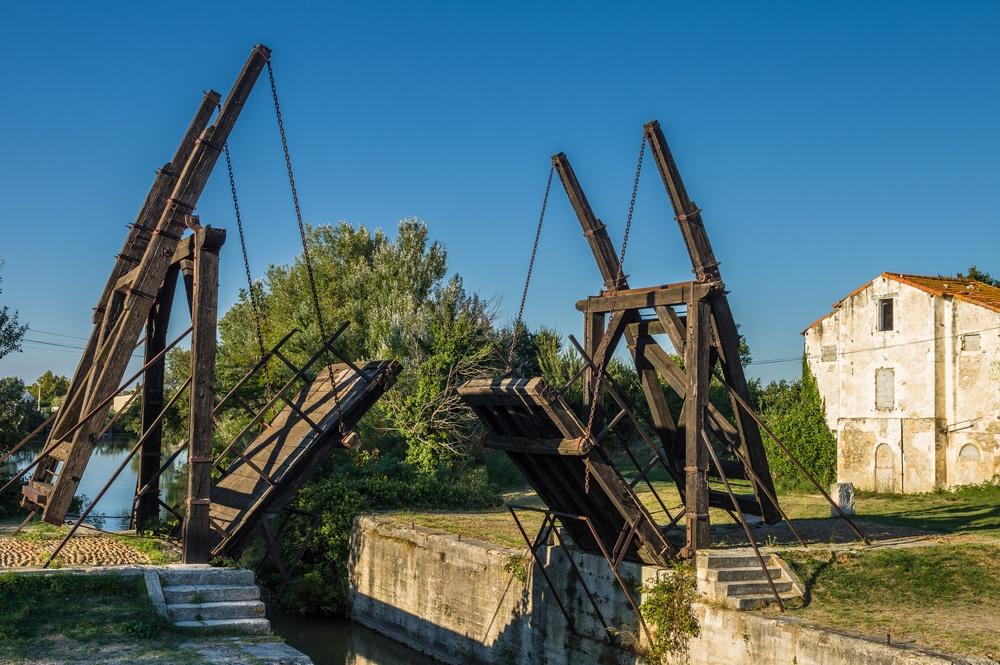 sonhar com ponte levadiça
