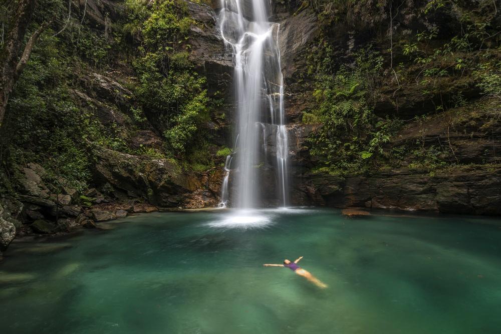 sonhar com banho de cachoeira